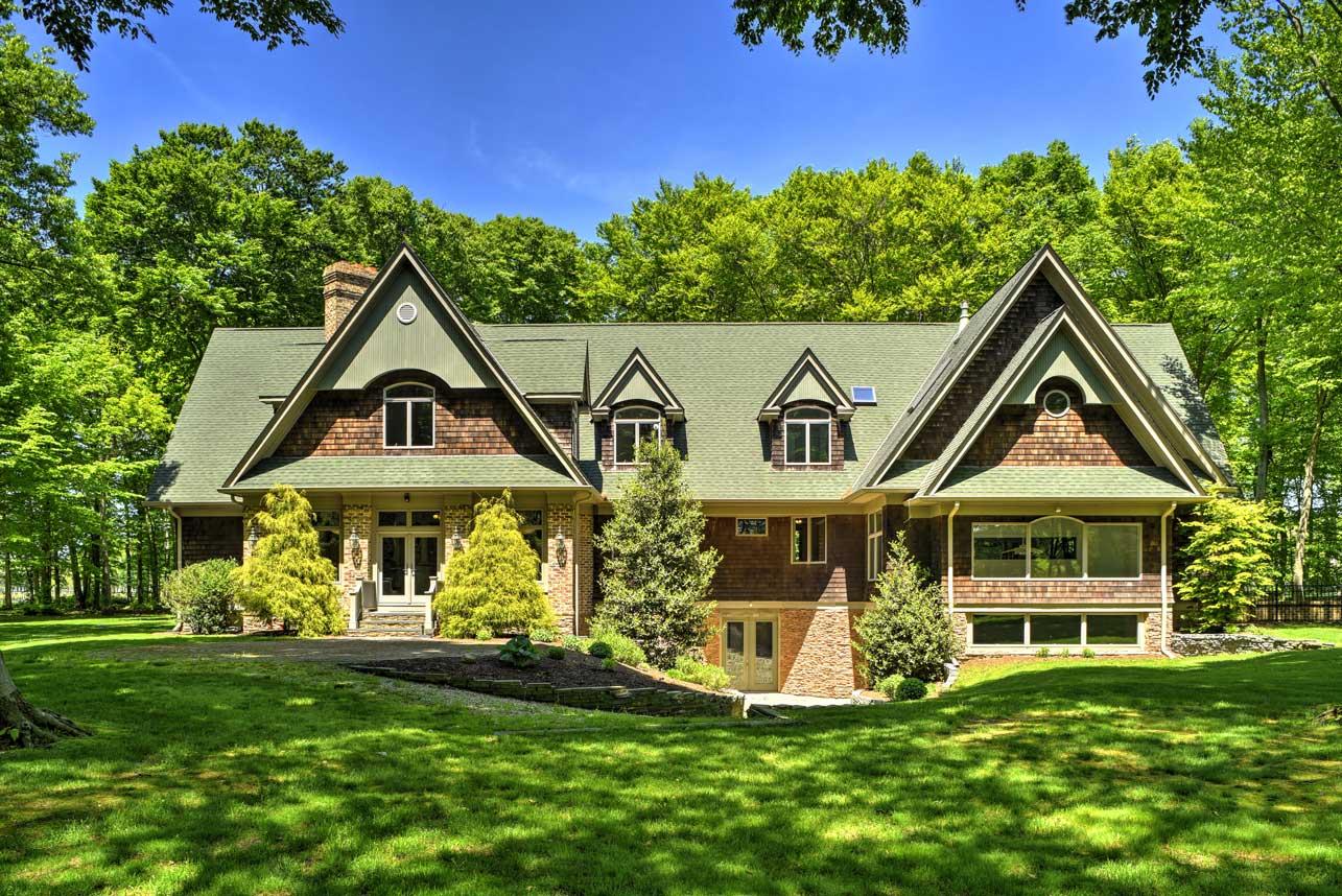 Modern luxuries in Mattituck: North Fork Dream Home